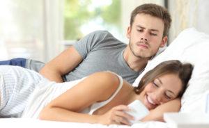 Как заставить мужчину деву ревновать