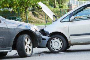 Кто оплачивает ремонт машины при дтп