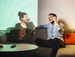 Связь между мужчиной и женщиной на расстоянии