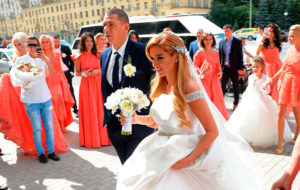 в каком платье выходят замуж второй раз