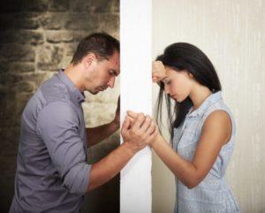 Как заставить парня позвонить первым после ссоры