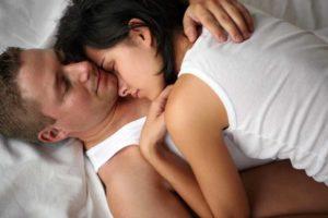 Как спать с мужчиной