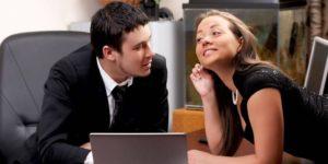 Признаки влюбленного коллеги