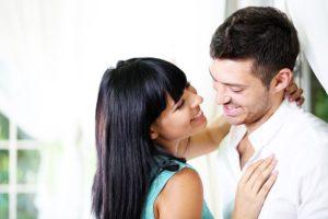 Как дать парню понять что он нравится