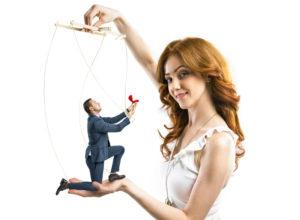 Как манипулировать девушкой в отношениях