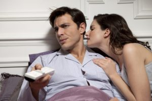 Как понять что испытывает к тебе мужчина