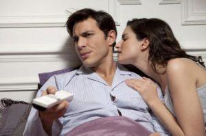 Почему мужчина избегает женщину которая ему нравится