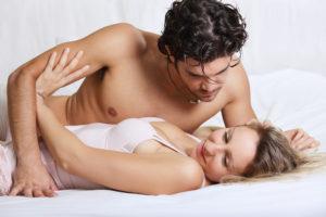 В постели с мужчиной