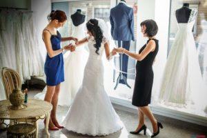можно ли одевать свадебное платье второй раз