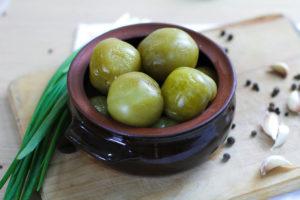Зеленые соленые помидоры