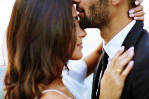 Как женщина любит мужчину