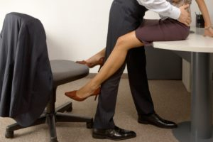 Женская измена на работе