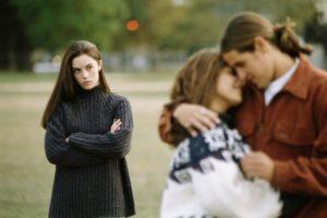 Что делать если парень любит другую
