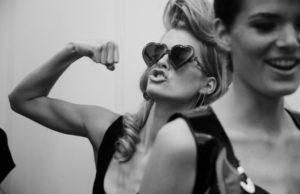 Как стать слабой и женственной