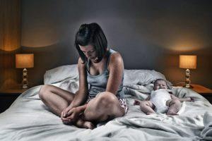 Послеродовая депрессия у женщин